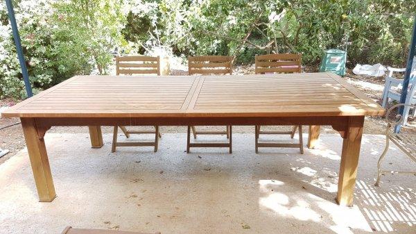 שולחן למכירה