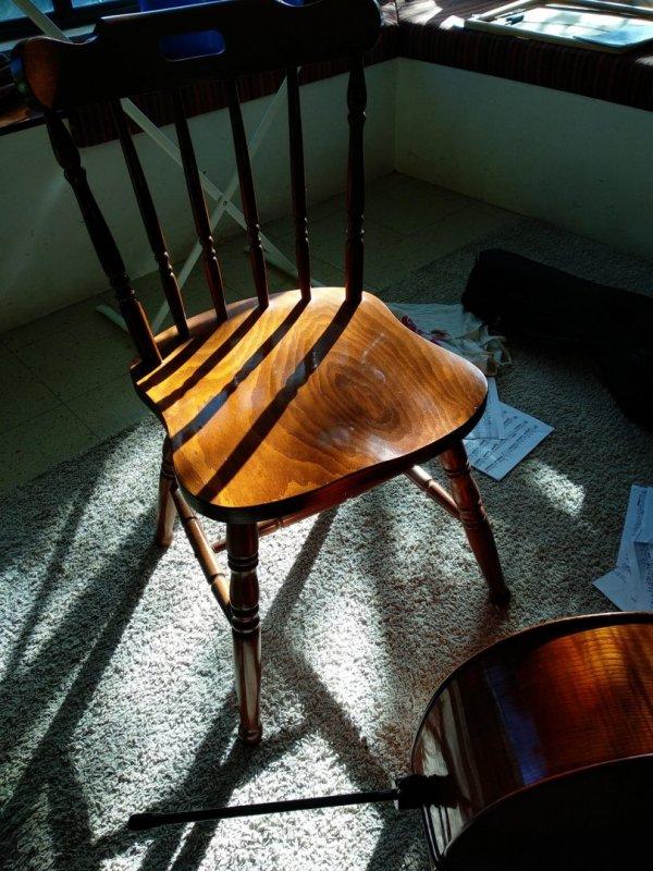 כסאות למסירה