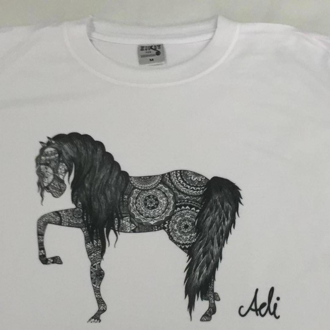 חולצה עם הדפס אמנותי - סוס