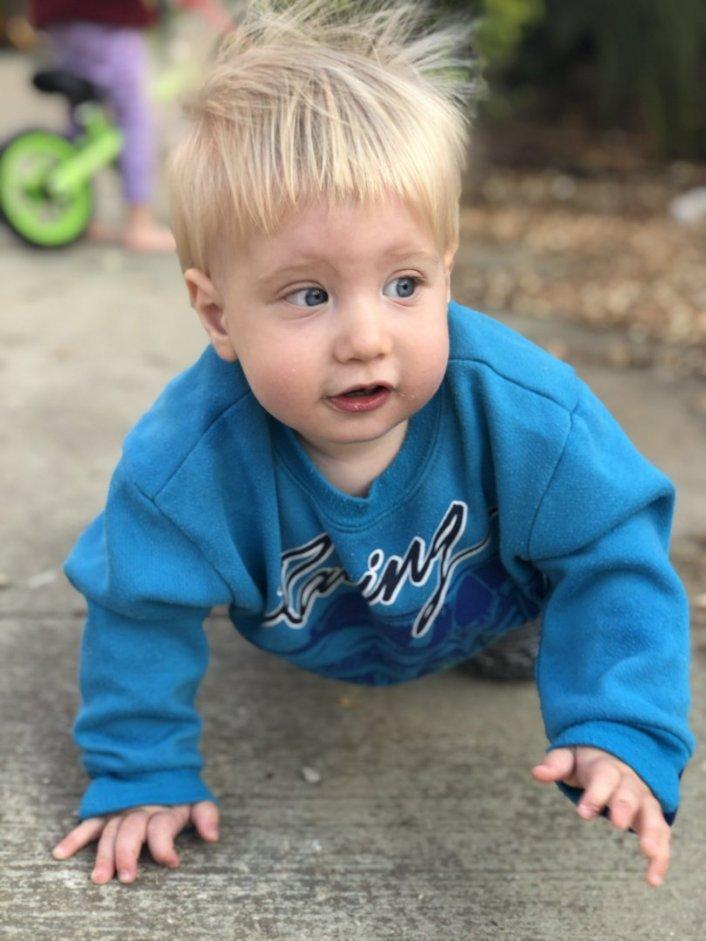 דרושה מטפלת/בייביסיטר לתינוק בן שנה