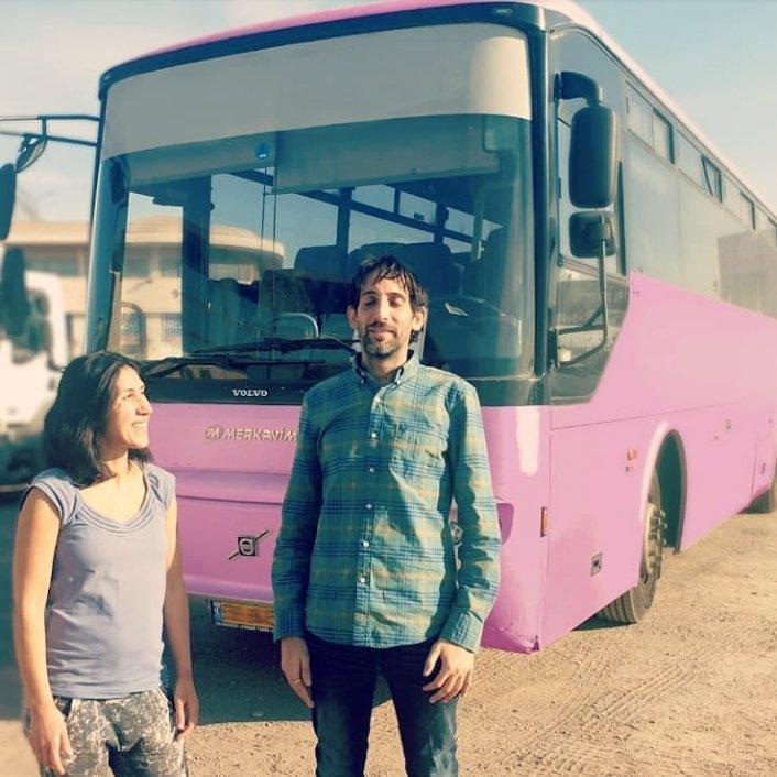 """יום הפתיחה החגיגי של פרויקט """"האוטובוס הורוד"""" בכפר יחזקאל!"""