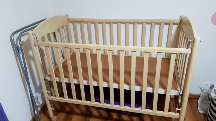 למסירה מיטת תינוק