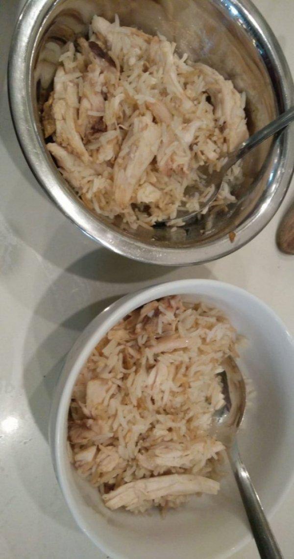 אורז ועוף מוקפצים ברוטב סויה