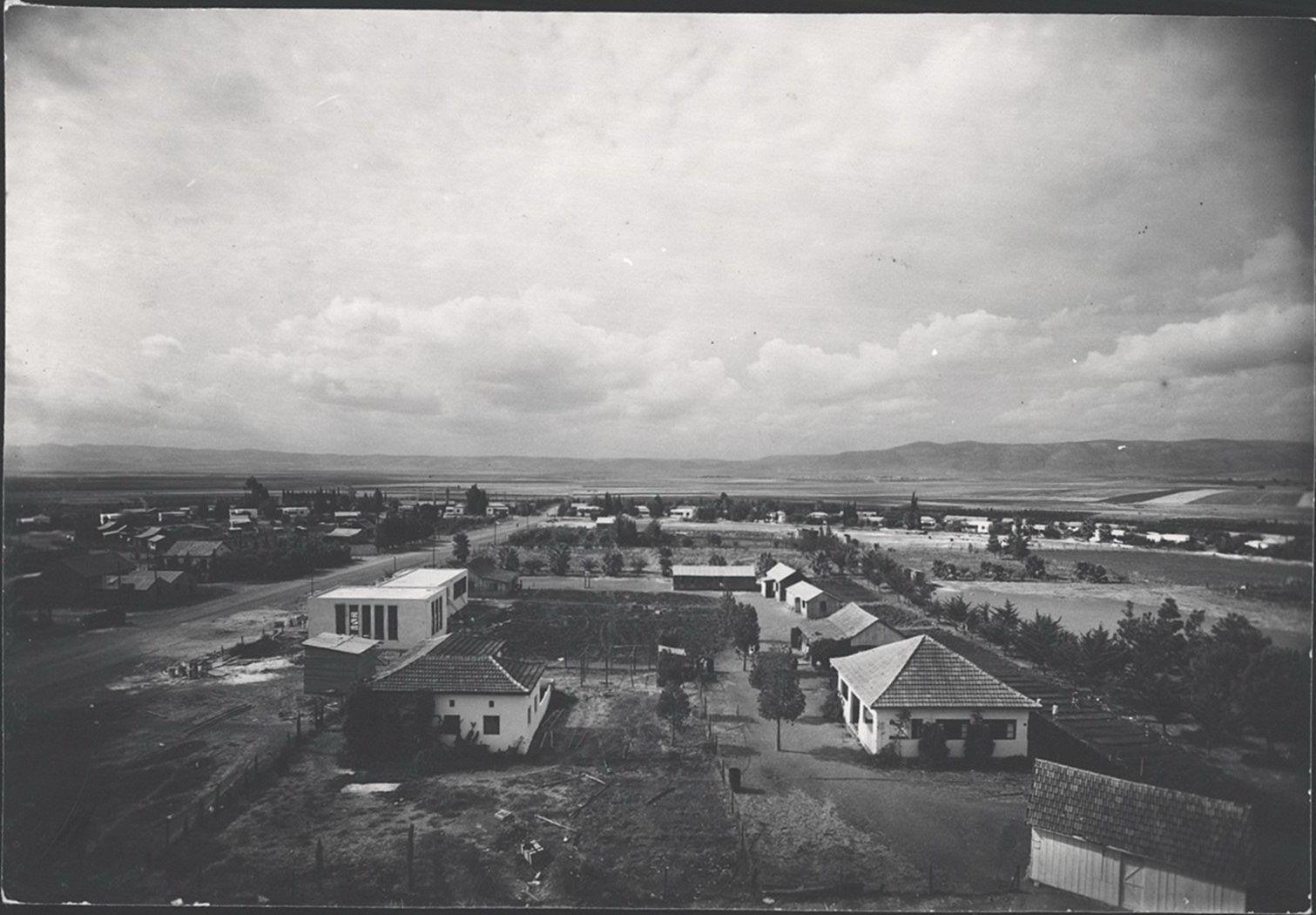 1936 נהלל מעט עצים בנהלל