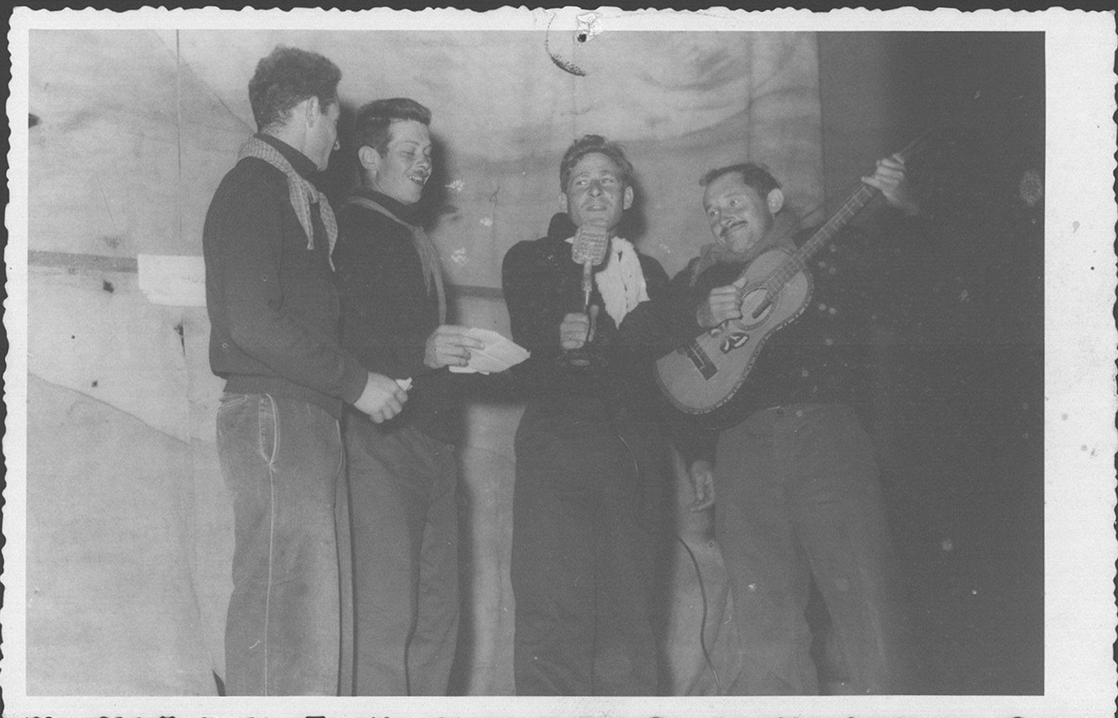 1957 שימיק שלוי, בם המר, יונתן צור, נחום תמיר
