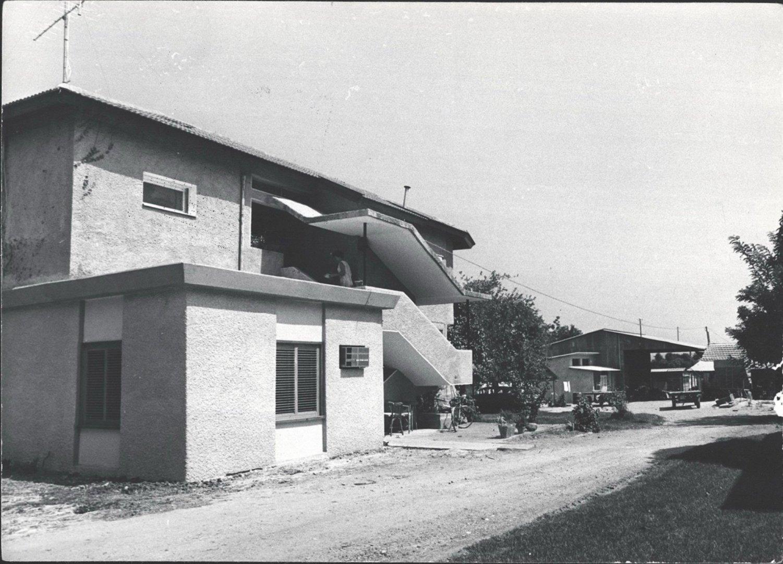 3 00380155 tif  בית לוין 1970