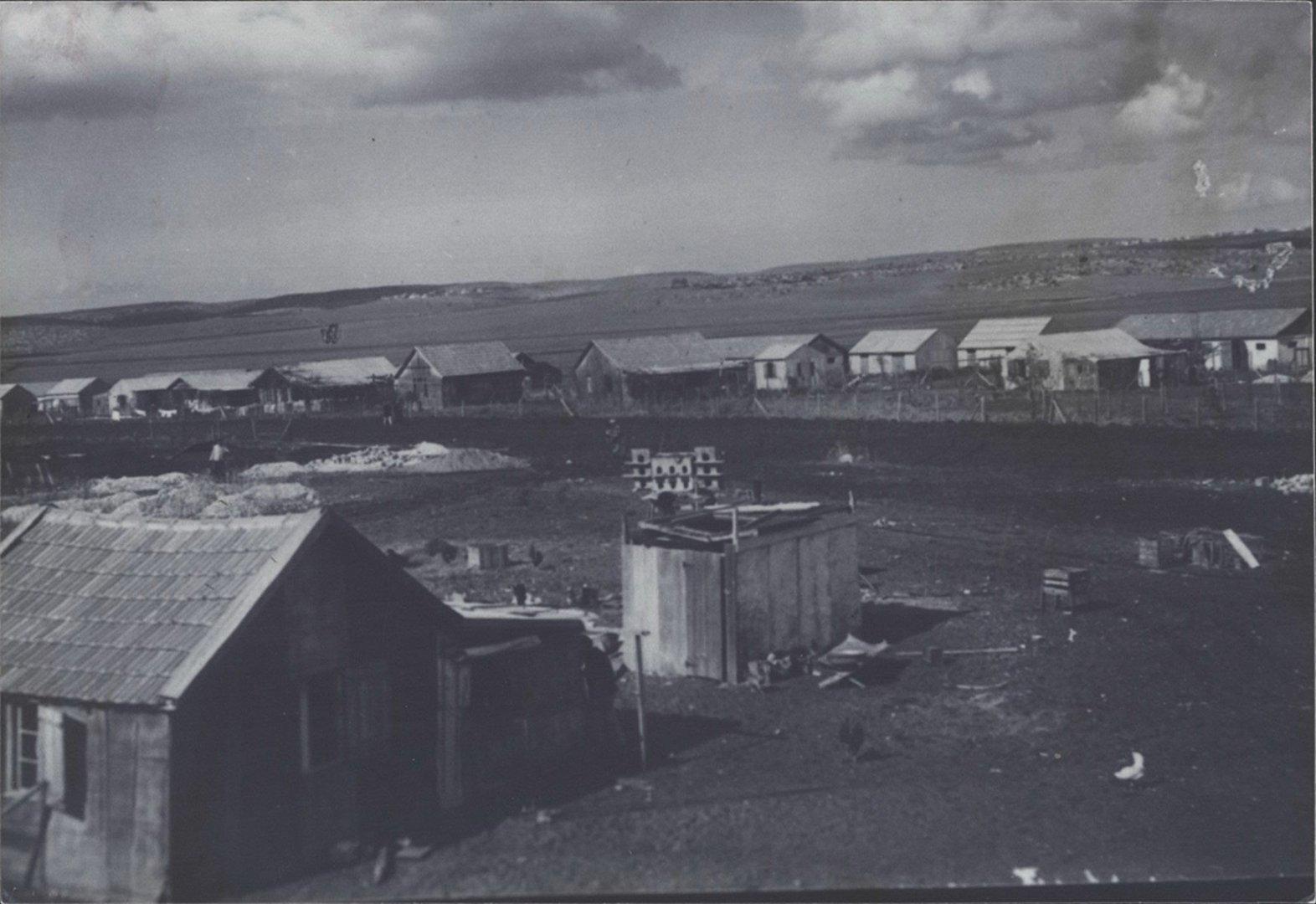 2 00380034 tif  צריפים בנהלל 1925