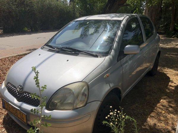 רכב טויטה יאריס למכירה