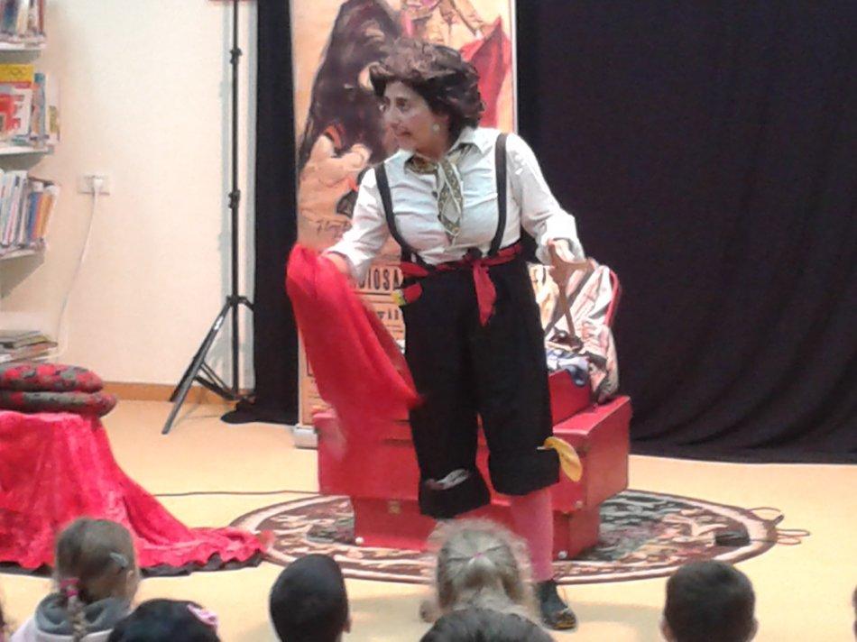 רינת שטרנברג מופיעה לילדים