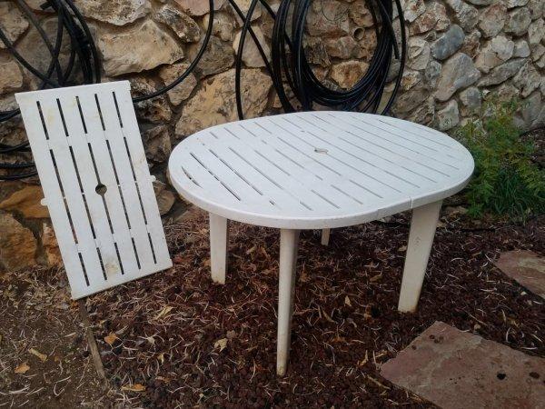 שולחן לגינה למסירה